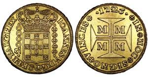 Algumas moedas de países cristãos tinham cruzes, no lugar das caras, como o dobrão português emitido por D. João V, em 1725 (bem conhecida pelos colecionadores, pois é considerado a moeda de maior valor intrínseco já cunhada).  Em seus livros, Laplace chama os dois lados da moeda de croix e pile (croix: cruz, pile: lado da moeda onde estão as armas do rei, ou o valor da moeda).